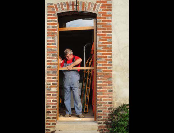 L 39 artisan et son m tier r alisation d 39 une porte fermi re for Bati de porte seul